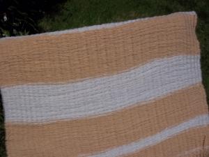 Baby blanket - Fine peg loom